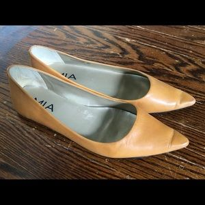 Mia Pointed Toe Flats